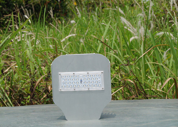 IP65 Warm White Led City Street Lights 110lm/W Low Light Decay Dia Casting Aluminum